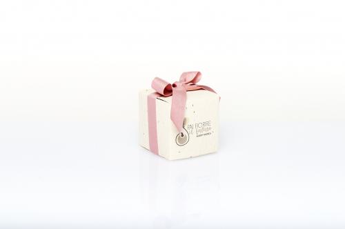 Immagine Cubo piantabile con fiocco rosa