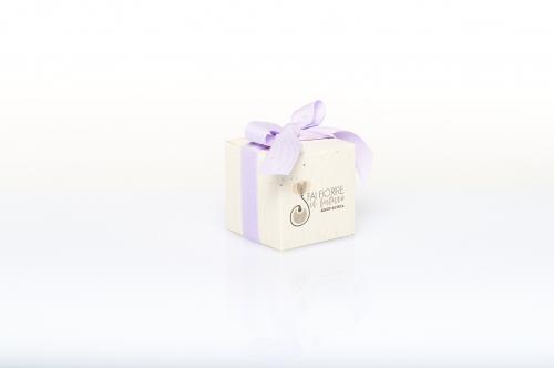 Immagine Cubo piantabile con fiocco lilla
