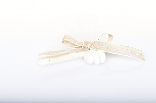 Immagine Pergamena fiocco ecrù e confetti