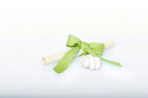 Immagine Pergamena fiocco verde e confetti
